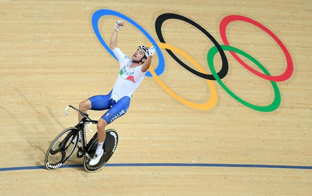 Rio giorno 10: la favola di chi non molla, Viviani cade ma è d'oro, Bruni da bronzo ad argento